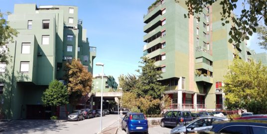 Ufficio e posto auto a Modena Euro 60.000,00