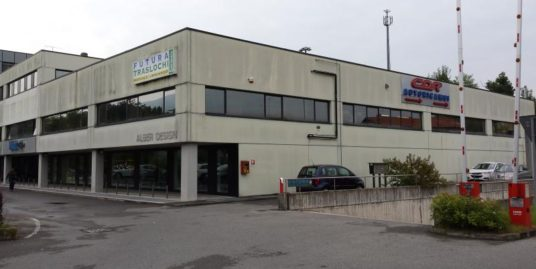 Magazzino a Erba Euro 120.000,00