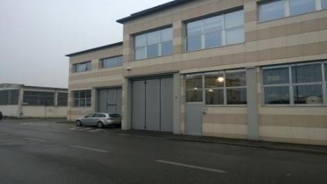Porzione di capannone a Peschiera Borromeo Euro 285000